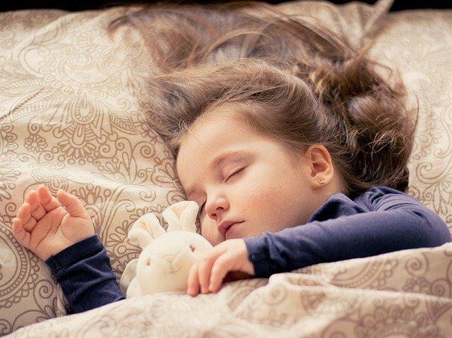 3 tips voor omgaan met nachtmerries en dromen bij kinderen