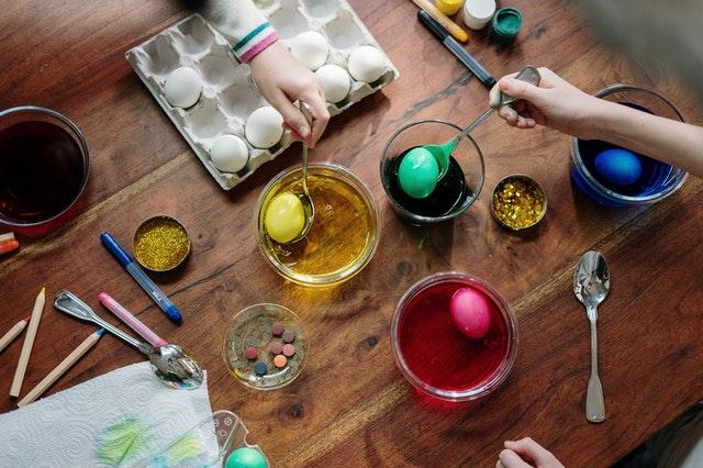 Waar moet ik aan denken bij het organiseren van een Paasfeest?